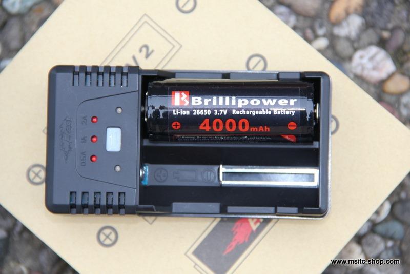 Efest BIO V2 Ladegerät für Li-Ionen Akkus